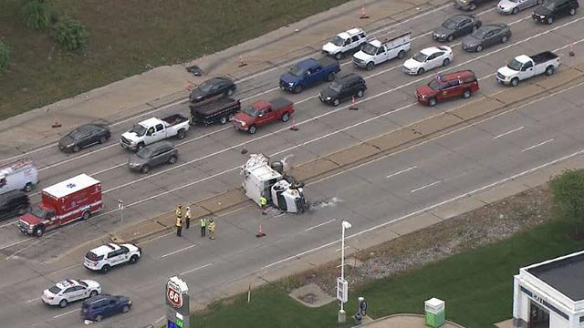 Skyzoom4 over an overturned garbage truck on Route 141 Tuesday (Credit: KMOV)