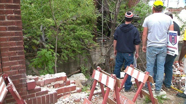 Crews in North City prepare for this weekend's 'Clean Sweep' operation. (Credit: KMOV)