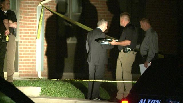 Investigators on Acorn Street in Alton after a double shooting Monday night (Credit: KMOV)