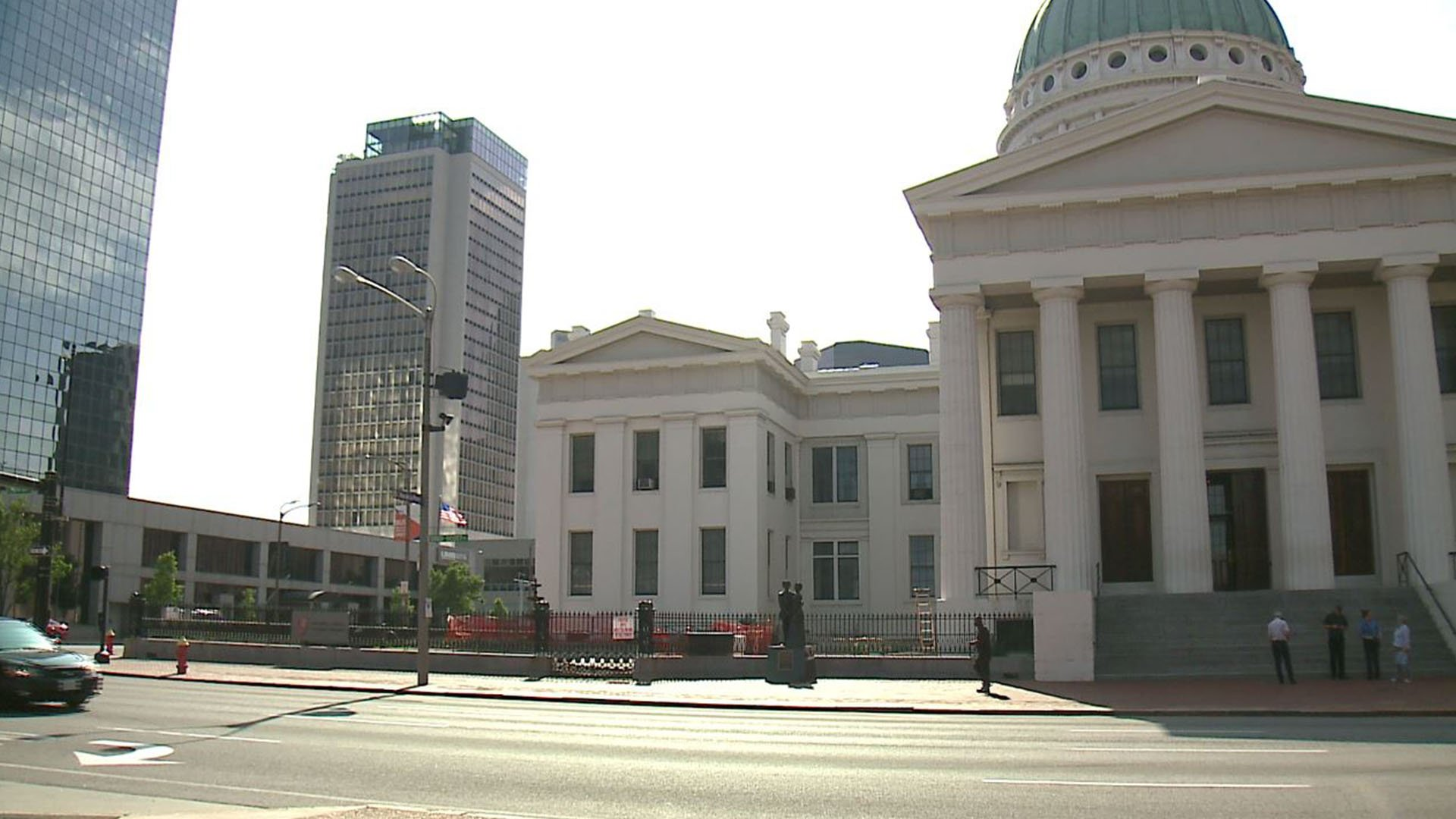 Images of the Old Courthouse ( Credit: KMOV)