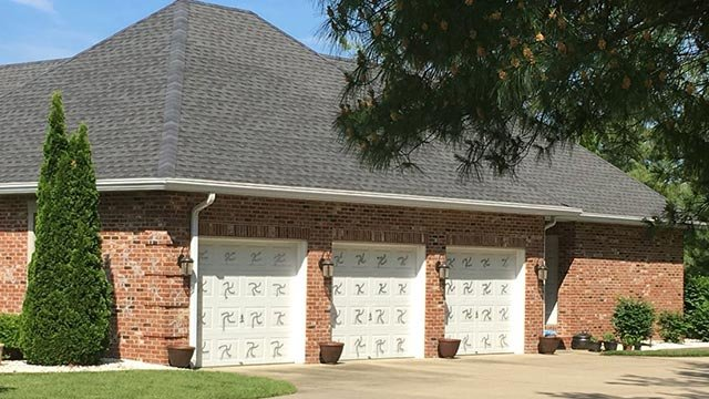A home in Edwardsville was targeted by vandals (Credit: Marielle Mohs / News 4)