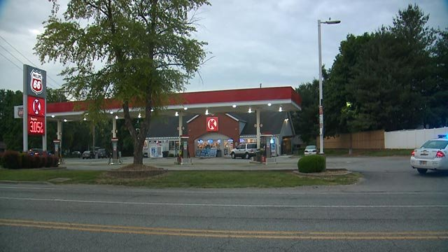 Police outside a Circle K on Old St. Louis Avenue in St. Clair County after an armed robbery (Credit: KMOV)