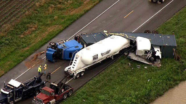 Two big rig trucks collided head on Thursday on Highway 51 near Chester, Illinois.  (Credit: KMOV)
