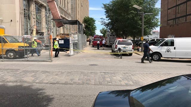 First responders in the 1500 block of Washington Avenue after a construction accident Monday (Credit: Ray Preston / News 4)
