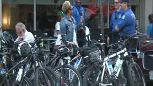 Bike officers outside a restaurant in the Central West End (Credit: KMOV)
