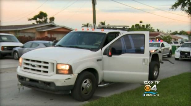 Police say two men used a tow truck to steal a pickup then led officers on a chase (Credit: CBS MIAMI)