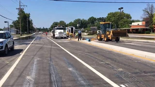 Crews on Shackelford after multiple water main breaks Wednesday (Credit: Florissant Police Department)