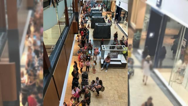 Build-A-Bear line in West County Mall (KMOV)