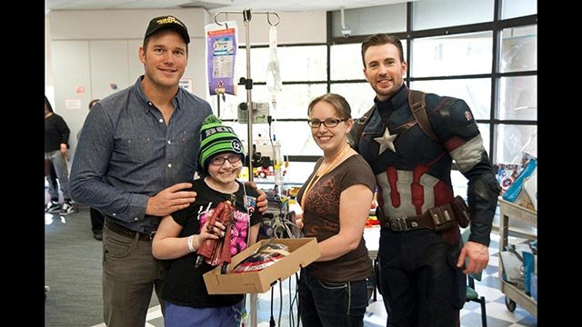 """""""Captain America"""" actor Chris Evans met some """"true superheroes"""" on Saturday at Seattle Children's Hospital in a visit with """"Guardians of the Galaxy"""" star Chris Pratt."""