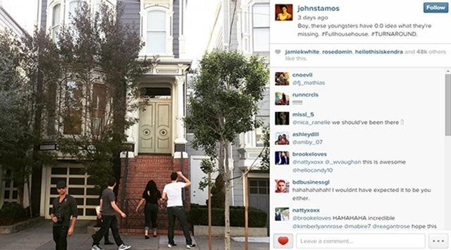 "John Stamos took a photo next to tourists looking at the ""Full House"" home in San Francisco."