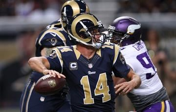 St. Louis Rams quarterback Shaun Hill throws the football against the Minnesota Vikings in the first quarter at the Edward Jones Dome in St. Louis on September 7, 2014.  UPI/Bill Greenblatt By BILL GREENBLATT