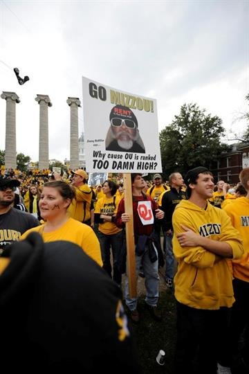 Missouri Tigers fans turned out in huge numbers Saturday morning to cheer on Mizzou as ESPN College Game Day was broadcast live from the University of Missouri. By Quint Smith