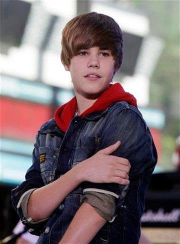 """FILE - In this June 4, 2010 file photo, singer Justin Bieber appears on the NBC """"Today"""" television program in New York. (AP Photo/Richard Drew, file) By Richard Drew"""