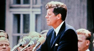 A portrait taken on July 15, 1957 shows US Senator John Fitzgerald Kennedy giving a speech.  AFP PHOTO         (Photo credit should read STRINGER/AFP/Getty Images) By STRINGER