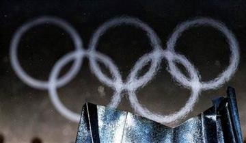 The Olympic flame is extinguished during the closing ceremony for the Vancouver 2010 Olympics in Vancouver, British Columbia, Sunday, Feb. 28, 2010. (AP Photo/David J. Phillip) By David J. Phillip