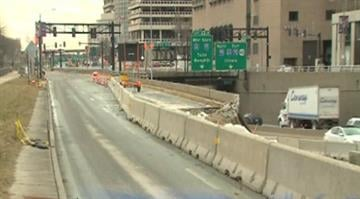 (KMOV.com) – A portion of I-70 between Pine St. and the Poplar St. Bridge before road construction closed the road for the weekend. By Stephanie Baumer