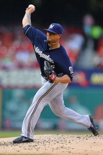 ST. LOUIS, MO - AUGUST 2: Starter Kyle Lohse #26 of the Milwaukee Brewers pitches against the St. Louis Cardinals in the first inning at Busch Stadium on August 2, 2014 in St. Louis, Missouri.  (Photo by Dilip Vishwanat/Getty Images) By Dilip Vishwanat