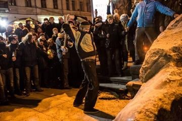 Police move on Ukraine protest camp.  Shouting demonstrators fend off the advance, which comes just as two Western diplomats are visiting the country hoping to defuse tensions. By Brendan Hoffman