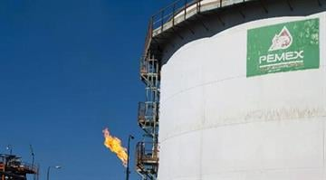 Mexico votes to open oil industry.  Opponents say they fear the dramatic move will allow multinationals, especially from the U.S., to once again dominate the country's oil. By Carlos Otero