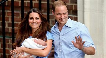 William and Kates Royal Baby makes first appearance By Brendan Marks