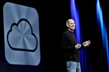 Apple CEO Steve Jobs introduces iCloud during a keynote address to the Apple Worldwide Developers Conference in San Francisco, Monday, June 6, 2011.  (AP Photo/Paul Sakuma) By Paul Sakuma