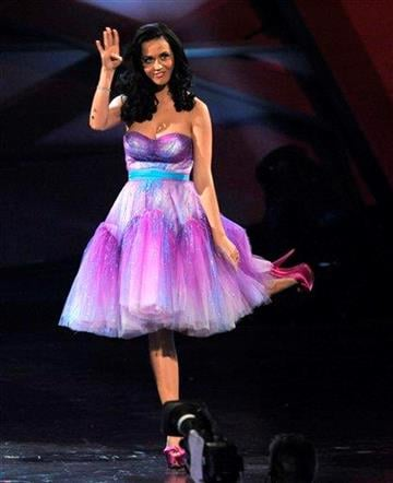 Katy Perry accepts the award for favorite female artist at the People's Choice Awards on Wednesday, Jan. 5, 2011, in Los Angeles. (AP Photo/Chris Pizzello) By Chris Pizzello