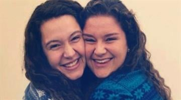 Mikayla Stern-Ellis, Emily Nappi met during roommate hunt as incoming Tulane freshmen By Stephanie Baumer
