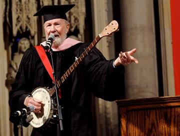 NEW YORK - MAY 16:  Artist Pete Seeger performs after receiving an honorary Doctorate from the Manhattan School of Music at the Riverside Church in Harlem on May 16, 2008 in New York City. (Photo by Donna Ward/Getty Images) By Donna Ward