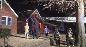 (KMOV.com) – A mother and daughter are safe after flames ripped through their South City home early Wednesday morning. By Stephanie Baumer