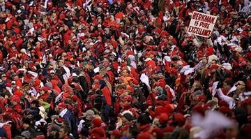 ST LOUIS, MO - OCTOBER 19: Fans cheer during Game One of the MLB World Series between the Texas Rangers and the St. Louis Cardinals at Busch Stadium on October 19, 2011 in St Louis, Missouri. (Photo by Doug Pensinger/Getty Images) By KMOV Web Producer