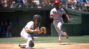 1988:  WILLIE MCGEE RUNS TO HOMEPLATE DURING THE CARDINALS VERSUS SAN DIEGO PADRES GAME AT JACK MURPHY STADIUM IN SAN DIEGO, CALIFORNIA.  MANDATORY CREDIT:  STEPHEN DUNN/ALLSPORT By Stephen Dunn