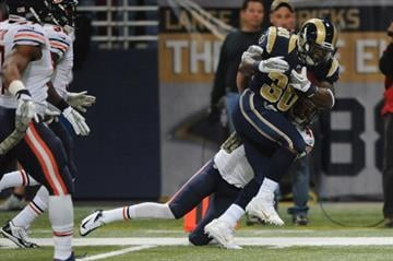 ST. LOUIS, MO - NOVEMBER 24: Zac Stacy #30 of the St. Louis Rams rushes against the Chicago Bears in first quarter at the Edward Jones Dome on November 24, 2013 in St. Louis, Missouri.  (Photo by Michael Thomas/Getty Images) By Michael Thomas