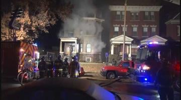 (KMOV.com) Nine people were inside a home when it caught fire late Tuesday night in the Central West End. By Stephanie Baumer