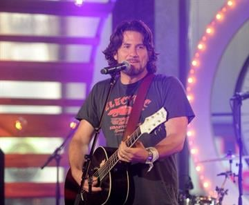 NEW YORK, NY - JUNE 20:  Matt Nathanson performs during the MTV, VH1, CMT & LOGO 2013 O Music Awards on June 20, 2013 in New York City.  (Photo by Jamie McCarthy/Getty Images) By Jamie McCarthy