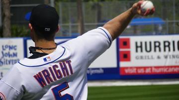 Mets third baseman David Wright warming up before Monday's Mets-Cardinals game. By Lakisha Jackson