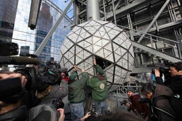 NEW YORK, NY - DECEMBER 27:  Workers assemble the 2014 New Year's Eve Waterford Crystal ball during its installation at One Times Square on December 27, 2013 in New York City.  (Photo by Rob Kim/Getty Images) By Rob Kim