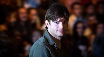 US actor Ashton Kutcher arrives to the 2012 Winter collection fashion show of Colcci during the Sao Paulo Fashion Week in Sao Paulo, Brazil, on January 22, 2012. YASUYOSHI CHIBA/AFP/Getty Images