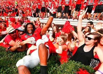 ATHENS, GA - SEPTEMBER 27:  Todd Gurley #3 of the Georgia Bulldogs celebrates their 35-32 over the Tennessee Volunteers at Sanford Stadium on September 27, 2014 in Athens, Georgia.  (Photo by Kevin C. Cox/Getty Images) By Kevin C. Cox