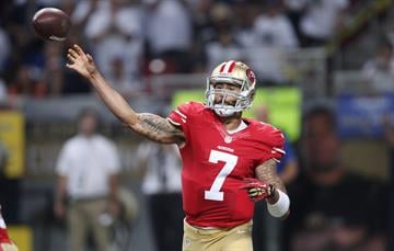 San Francisco 49ers quarterback Colin Kaepernick releases the football in the first quarter against the St. Louis Rams  at the Edward Jones Dome in St. Louis on September 26, 2013.   UPI/Bill Greenblatt By BILL GREENBLATT