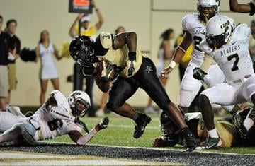 NASHVILLE, TN - SEPTEMBER 28:  Jerron Seymour #3 of the Vanderbilt Commodores scores a touchdown against the UAB Blazers at Vanderbilt Stadium on September 28, 2013 in Nashville, Tennessee.  (Photo by Frederick Breedon/Getty Images) By Frederick Breedon