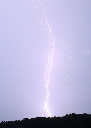 Lightning strikes near Wentzville, Mo. By KMOV Web Producer