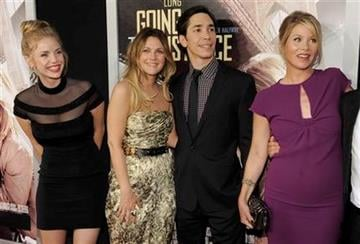 """Left to right, Kelli Garner, Drew Barrymore, Justin Long and Christina Applegate, cast members in """"Going the Distance,"""" pose together at the premiere of the film, Monday, Aug. 23, 2010, in Los Angeles. (AP Photo/Chris Pizzello) By Chris Pizzello"""