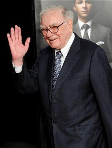 "Billionaire investor Warren Buffett attends the premiere of ""Wall Street: Money Never Sleeps"" at the Ziegfeld Theatre on Monday, Sept. 20, 2010 in New York. (AP Photo/Evan Agostini) By Evan Agostini"