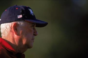 20 Oct 2000:  A general view of the USA team captian Ken Venturi looking on during The President's Cup at the Robert Trent Jones Golf Course in Gainsville, Virginia.Mandatory Credit: Donald Miralle  /Allsport By Donald Miralle