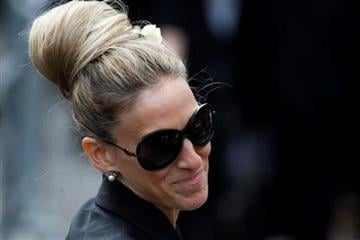 U.S. actress Sarah Jessica Parker after the memorial service for Alexander McQueen at St Paul's Cathedral in London, Monday, Sept. 20, 2010, which took place during London Fashion Week. (AP Photo/Sang Tan) By Sang Tan