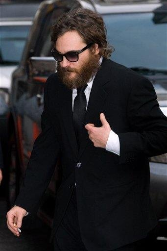 """FILE - In this Feb. 11, 2009 file photo, actor Joaquin Phoenix arrives for a taping of """"The Late Show with David Letterman"""" in New York.  (AP Photo/Charles Sykes, File) By Charles Sykes"""