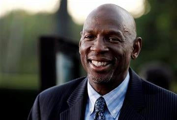 """Geoffrey Canada, president and chief executive of the Harlem Children's Zone, arrives at the premiere of """"Waiting for 'Superman'"""" in Los Angeles, Monday, Sept. 20, 2010. (AP Photo/Matt Sayles) By Matt Sayles"""