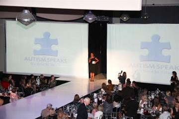Actress Holly Robinson Peete emceed the event benefitting Austism Speaks. By KMOV Web Producer