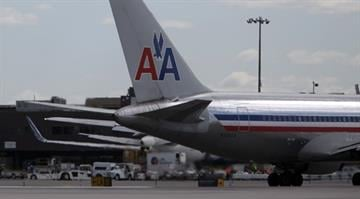 NEW YORK, NY - APRIL 27: An American Airlines plane is seen at John F. Kennedy International Airport April 27, 2012 in the Queens borough of New York City. (Photo by Allison Joyce/Getty Images) By Dan Mueller