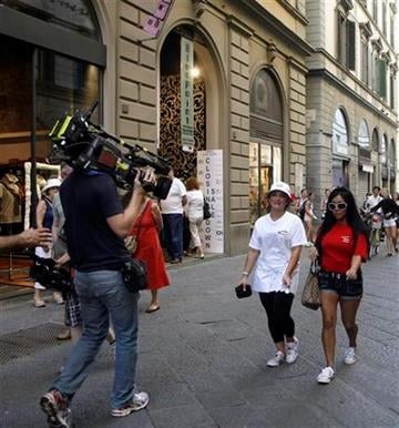 "In this Monday, May 23, 2011 photo members of MTV reality show ""Jersey Shore"" Nicole ""Snooki"" Polizzi, right, and Nicole ""Deena"" Cortese walk along Via dei Calzaiuoli in Florence, Italy. (AP Photo/Francesco Bellini) By Francesco Bellini"